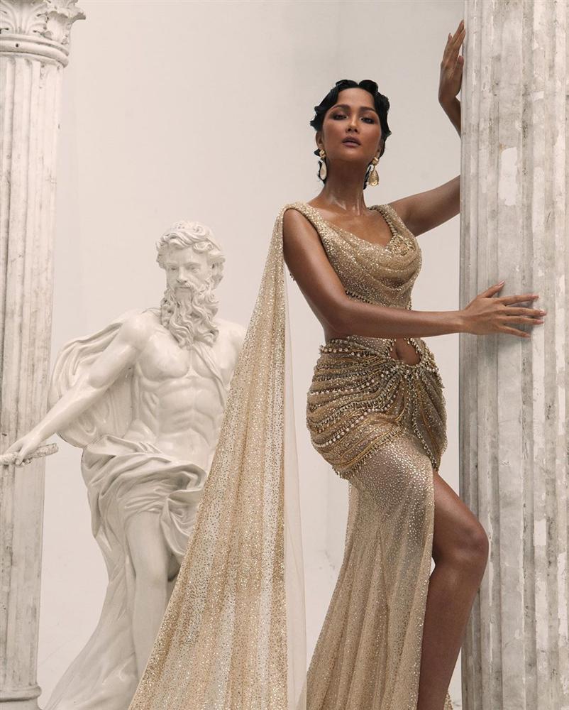 Bản tin Hoa hậu Hoàn vũ 18/10: Catriona bị váy phản, HHen Niê thắng đậm phong cách thời trang-1