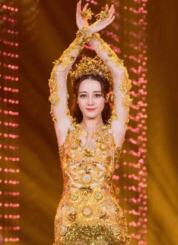 Dương Tử dẫn đầu trong cuộc đua bỏ phiếu Nữ thần Kim Ưng 2020-4