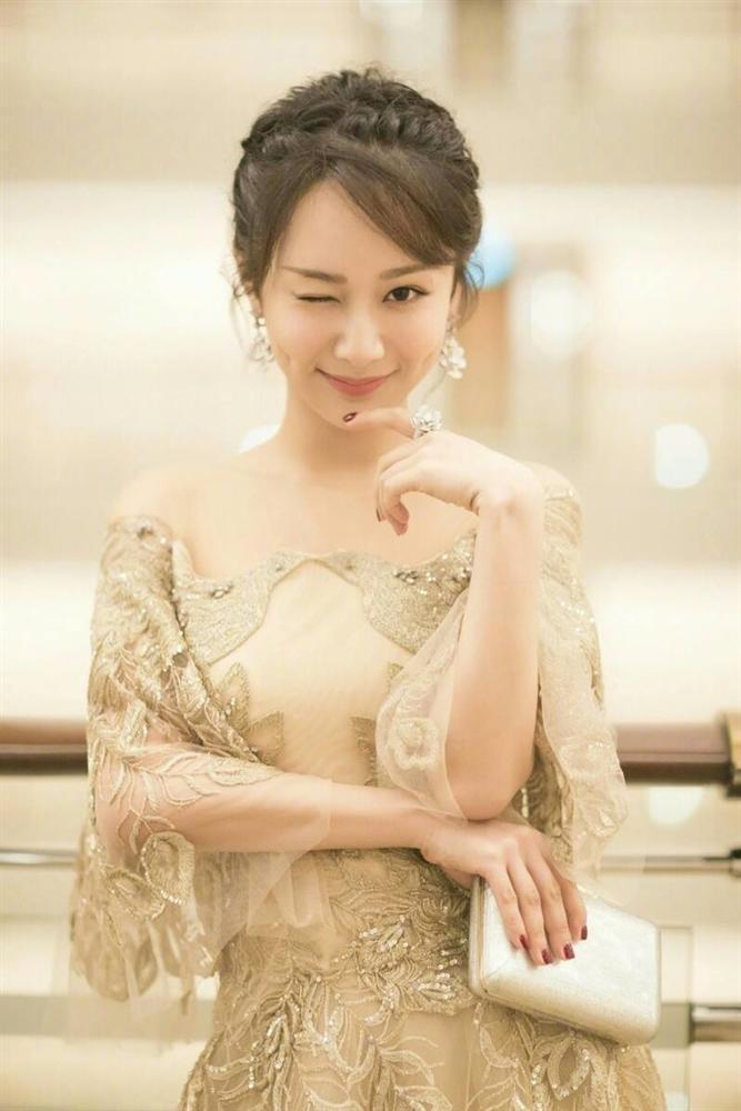 Dương Tử dẫn đầu trong cuộc đua bỏ phiếu Nữ thần Kim Ưng 2020-5