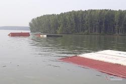 Chìm tàu hàng 8.000 tấn ở Cần Giờ, nhiều người rơi xuống sông