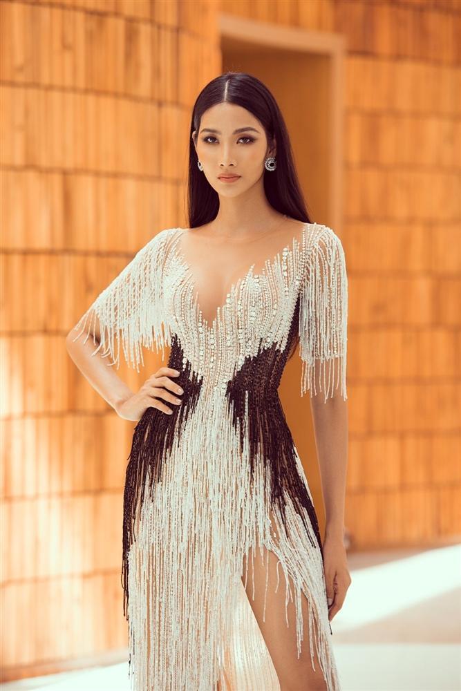 Thi Miss Universe 2019 tại Mỹ, Hoàng Thùy có phá được dớp của Phạm Hương và Nguyễn Thị Loan?-2