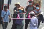 Nhóm móc túi ở Suối Tiên diễn kịch đánh lừa nạn nhân