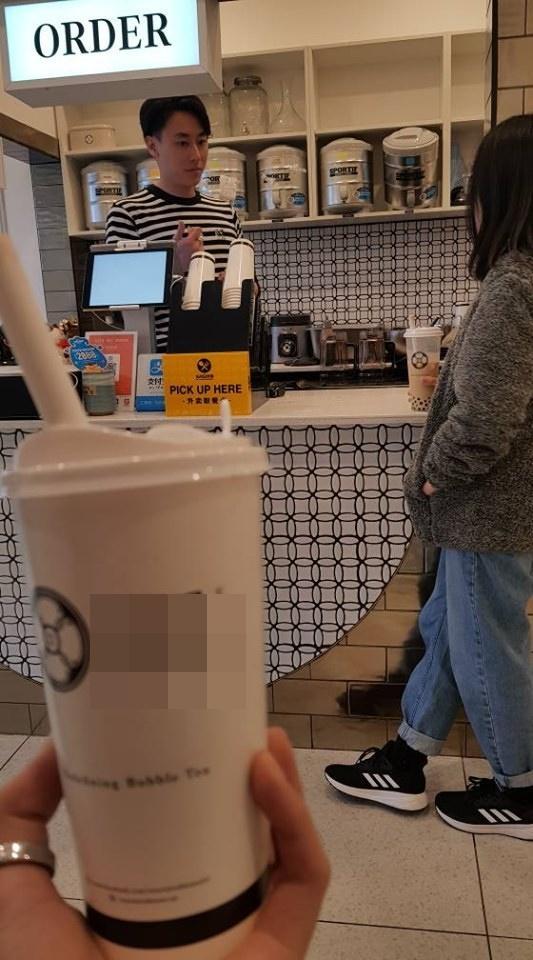 Loạt ảnh fan gửi từ phương xa: Bỏ showbiz Việt, rocker Nguyễn sang Australia làm ông chủ quán trà sữa-3