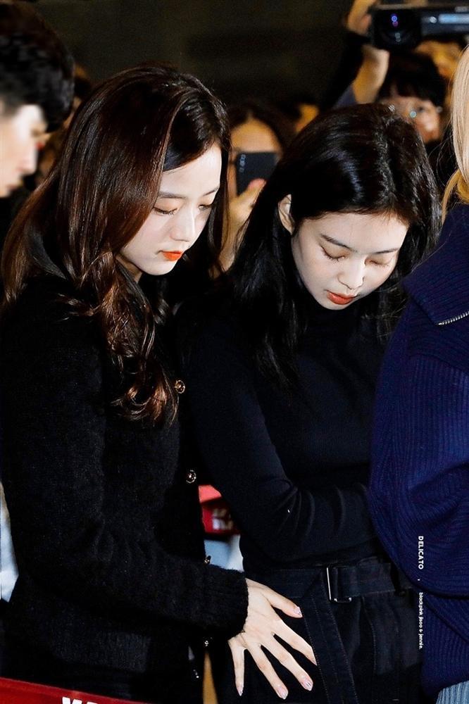 Jennie (BlackPink) vô cớ trở thành mục tiêu chỉ trích sau sự ra đi của Sulli, netizen bất bình lên tiếng-3
