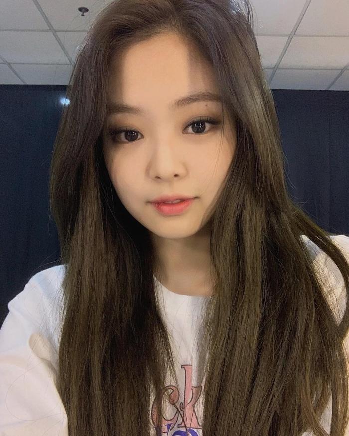 Jennie (BlackPink) vô cớ trở thành mục tiêu chỉ trích sau sự ra đi của Sulli, netizen bất bình lên tiếng-5