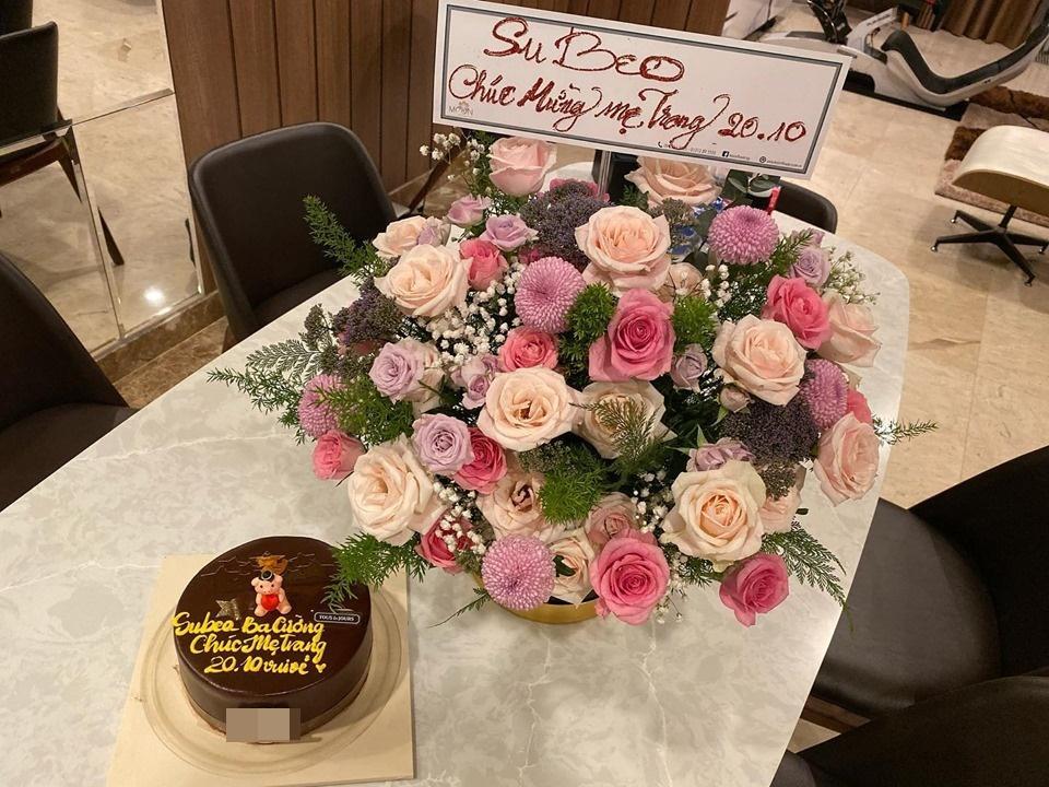 Subeo tặng lẵng hoa rực rỡ, gọi Đàm Thu Trang là mẹ chúc mừng 20/10-2