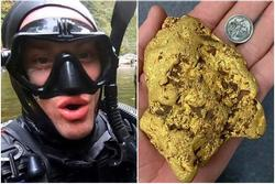Chàng trai bất ngờ tìm thấy vàng dưới suối