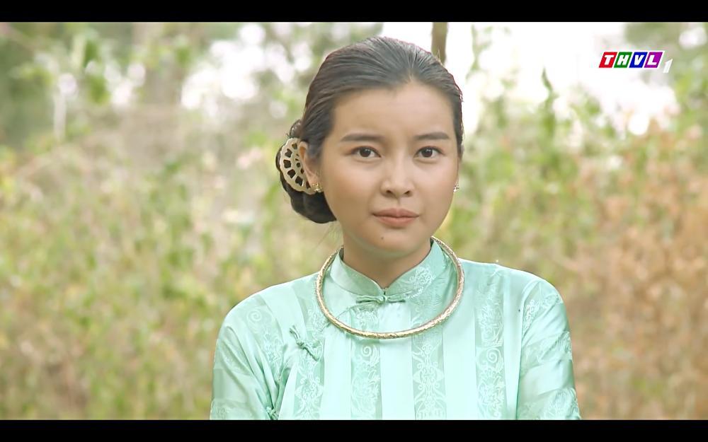 Cao Thái Hà bỏ thuốc mê rồi lột đồ đàn ông đã có vợ trong tập 42 Tiếng Sét Trong Mưa-6