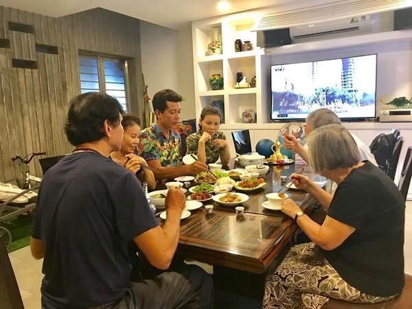Bố mẹ Kim Lý liên tiếp về thăm nhà Hồ Ngọc Hà, tình thông gia đã chính thức kết duyên?-3