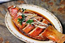 Làm cá hấp mà bị tanh chắc hẳn bạn đã thiếu bước này, thêm đủ bước cá sẽ thơm lừng