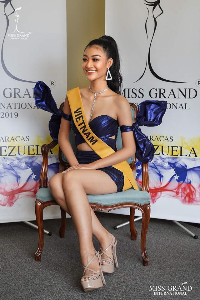 Kiều Loan chơi lớn với quốc phục 2000 đèn led, hứa hẹn gây sốt tại Miss Grand International 2019-7