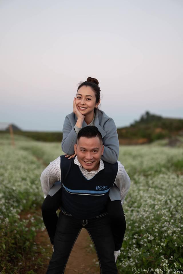 Hoa hậu Jennifer Phạm vác bụng bầu lớn đi chơi cùng ông xã đại gia-1