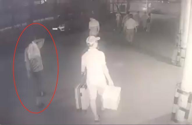 Lộ diện đoạn video xuất hiện nghi phạm sát hại dã man bảo vệ BHXH ở Nghệ An-1