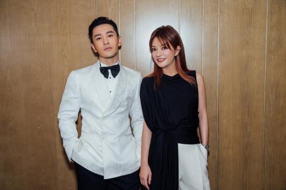 Hiếm khi mặc đồ đôi với vợ, thế mà Huỳnh Hiểu Minh lại diện đồ xuyệt tông với Triệu Vy khiến fans khó hiểu-3