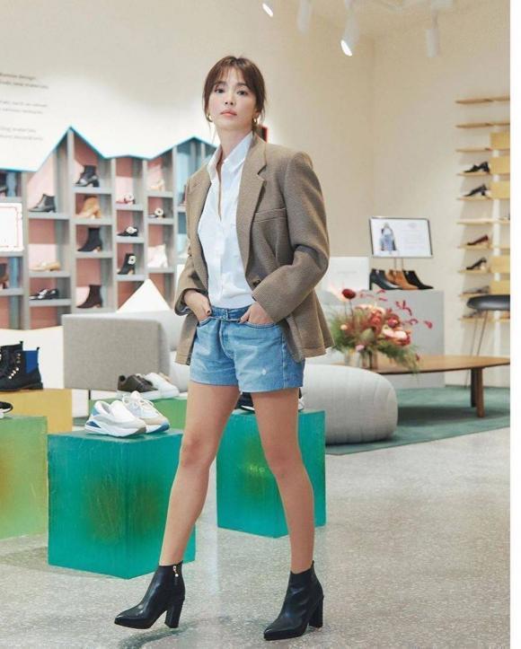 Song Hye Kyo tái hiện hình ảnh bác sĩ Kang trong Hậu duệ của mặt trời, fan lại nghẹn ngào khó tả-1