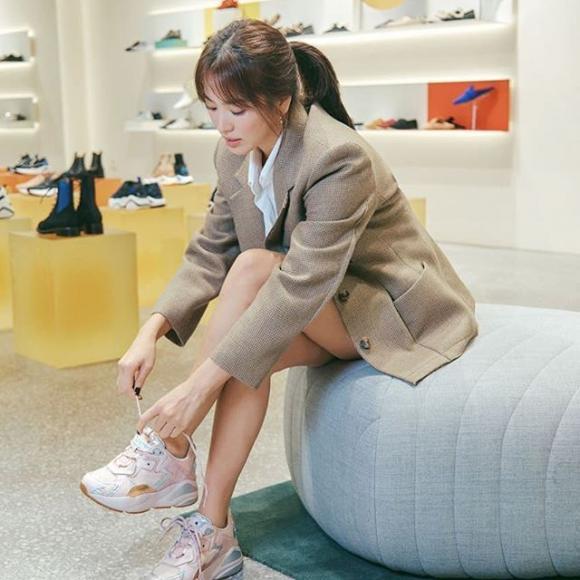 Song Hye Kyo tái hiện hình ảnh bác sĩ Kang trong Hậu duệ của mặt trời, fan lại nghẹn ngào khó tả-5