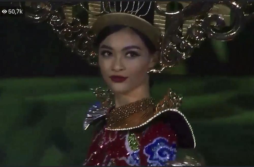 Hơn 1000 đèn led không sáng, phần thi quốc phục của Kiều Loan tại Miss Grand 2019 gây tiếc nuối-3