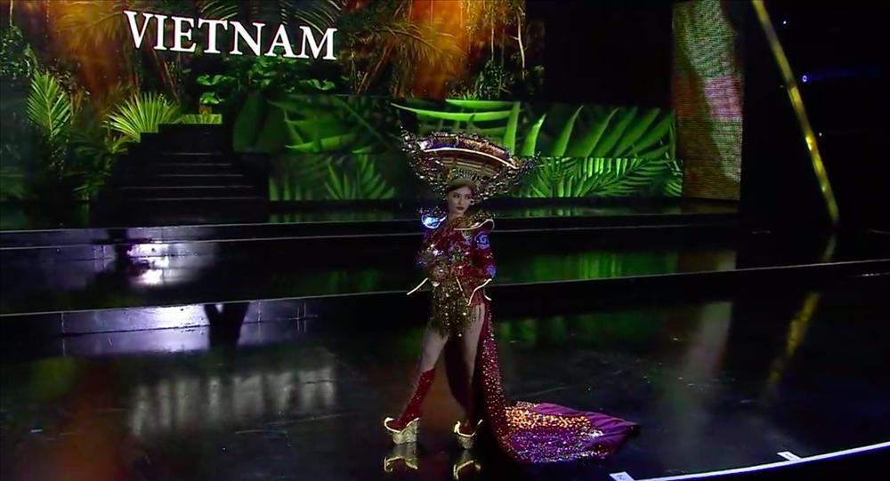 Hơn 1000 đèn led không sáng, phần thi quốc phục của Kiều Loan tại Miss Grand 2019 gây tiếc nuối-4