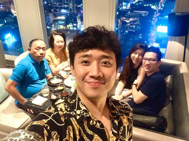 Trấn Thành lên tiếng giải vây khi Hari Won vắng mặt trong tiệc sinh nhật mẹ chồng-1