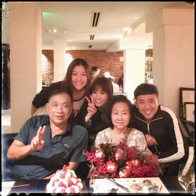 Trấn Thành lên tiếng giải vây khi Hari Won vắng mặt trong tiệc sinh nhật mẹ chồng-4