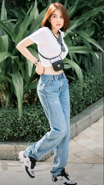 Cứ ngỡ Ngọc Trinh mặc quần ngược ra đường, hóa ra là bắt chước Kendall Jenner-6