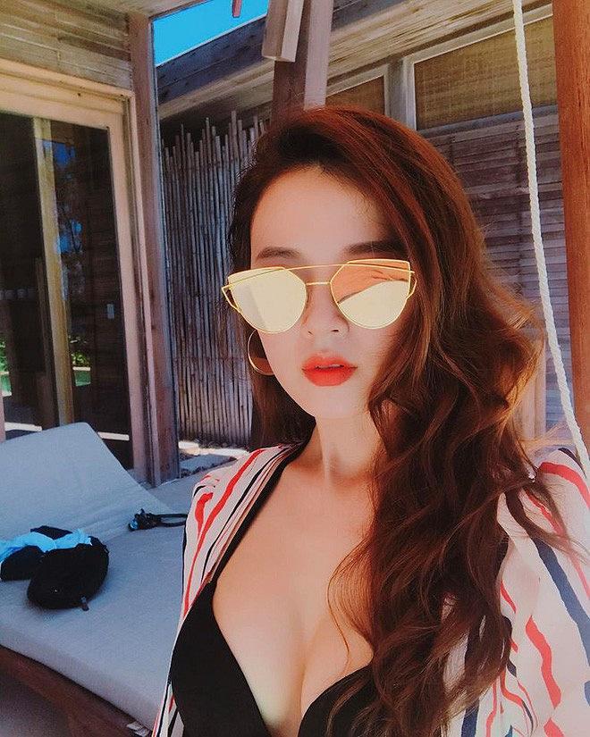 Thái Trinh, Khổng Tú Quỳnh và loạt mỹ nhân Việt lột xác sexy ngoạn mục sau chia tay-10