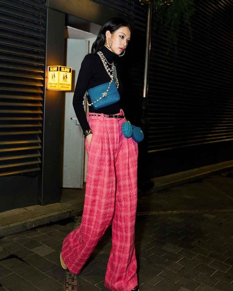 Vượt mặt Ngọc Trinh, Khánh Linh là mỹ nhân Vbiz đầu tiên sở hữu túi Chanel độc lạ có giá gần nửa tỷ-6