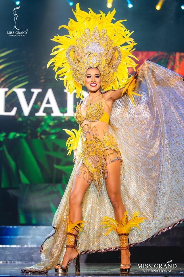 Top 10 quốc phục đẹp nhất Miss Grand International 2019, trong đó có thí sinh giống Mạc Văn Khoa-14
