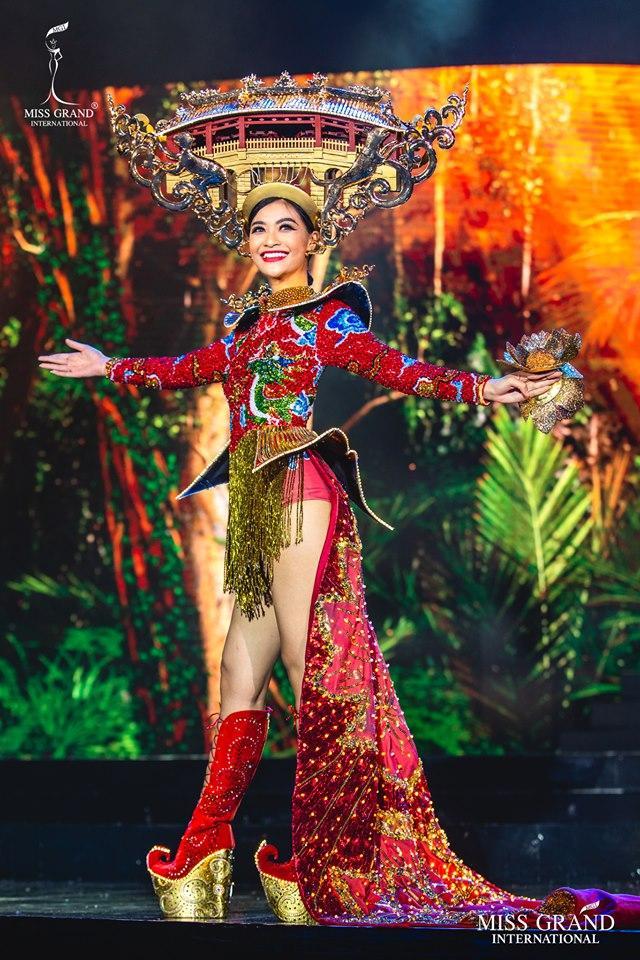 Top 10 quốc phục đẹp nhất Miss Grand International 2019, trong đó có thí sinh giống Mạc Văn Khoa-2
