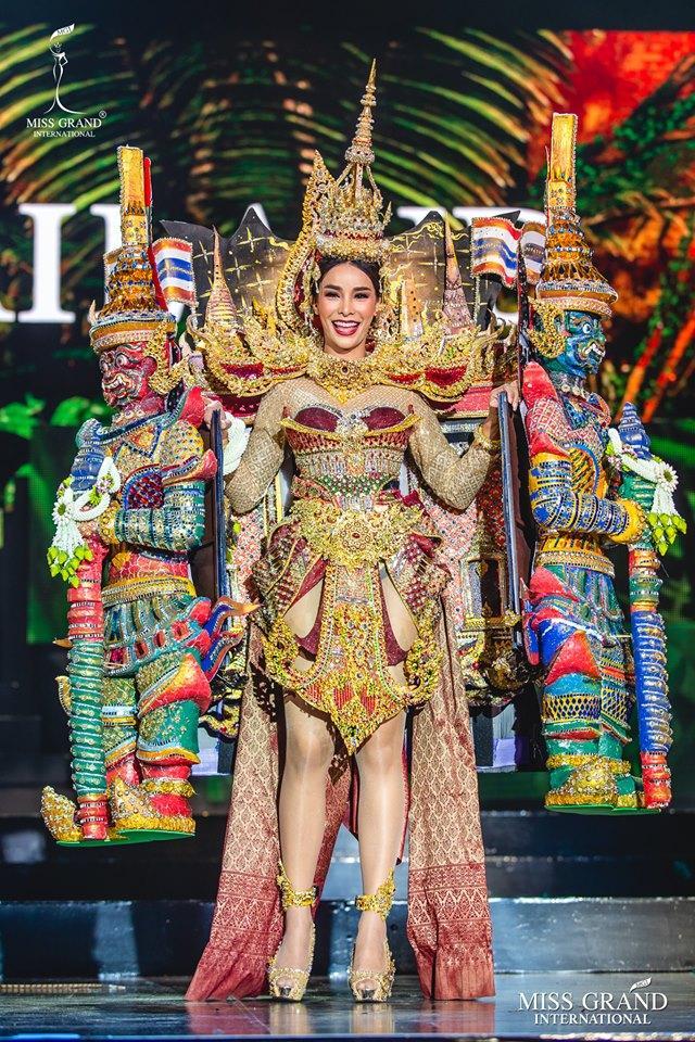 Top 10 quốc phục đẹp nhất Miss Grand International 2019, trong đó có thí sinh giống Mạc Văn Khoa-8