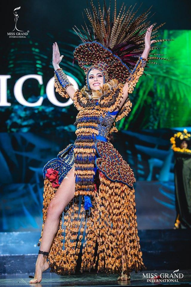 Top 10 quốc phục đẹp nhất Miss Grand International 2019, trong đó có thí sinh giống Mạc Văn Khoa-12