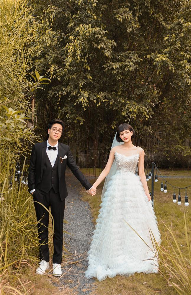 Bùi Anh Tuấn 1 năm cưới vợ 2 lần, fan trả lời cực lầy khi được hỏi Hiền Hồ hay Văn Mai Hương ai xứng làm chị dâu-3
