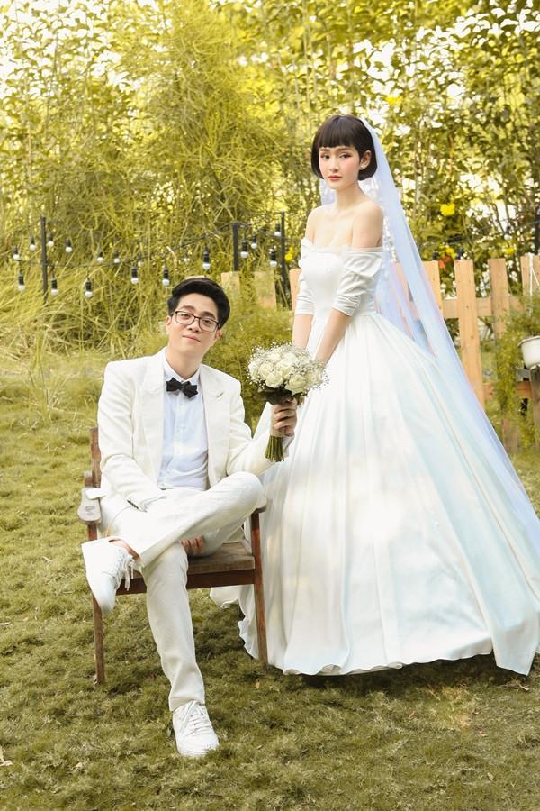 Bùi Anh Tuấn 1 năm cưới vợ 2 lần, fan trả lời cực lầy khi được hỏi Hiền Hồ hay Văn Mai Hương ai xứng làm chị dâu-4