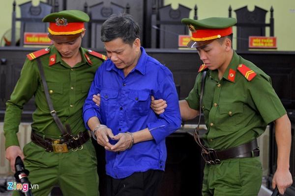 Gian lận thi Sơn La: Khởi tố tội đưa hối lộ, bắt ông Trần Xuân Yến-2