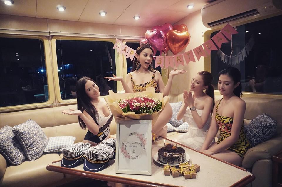 Sinh nhật siêu to của Huyền Baby: Mở party khoe body cực căng trên du thuyền cùng hội chị em-3