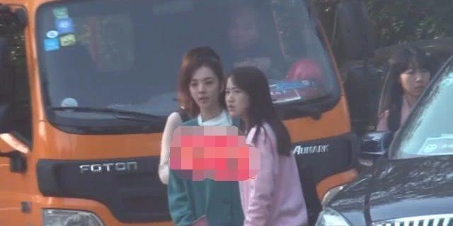 Lộ ảnh Lý Thần cùng bạn gái tin đồn Vương Hiểu Thần trên phim trường-5