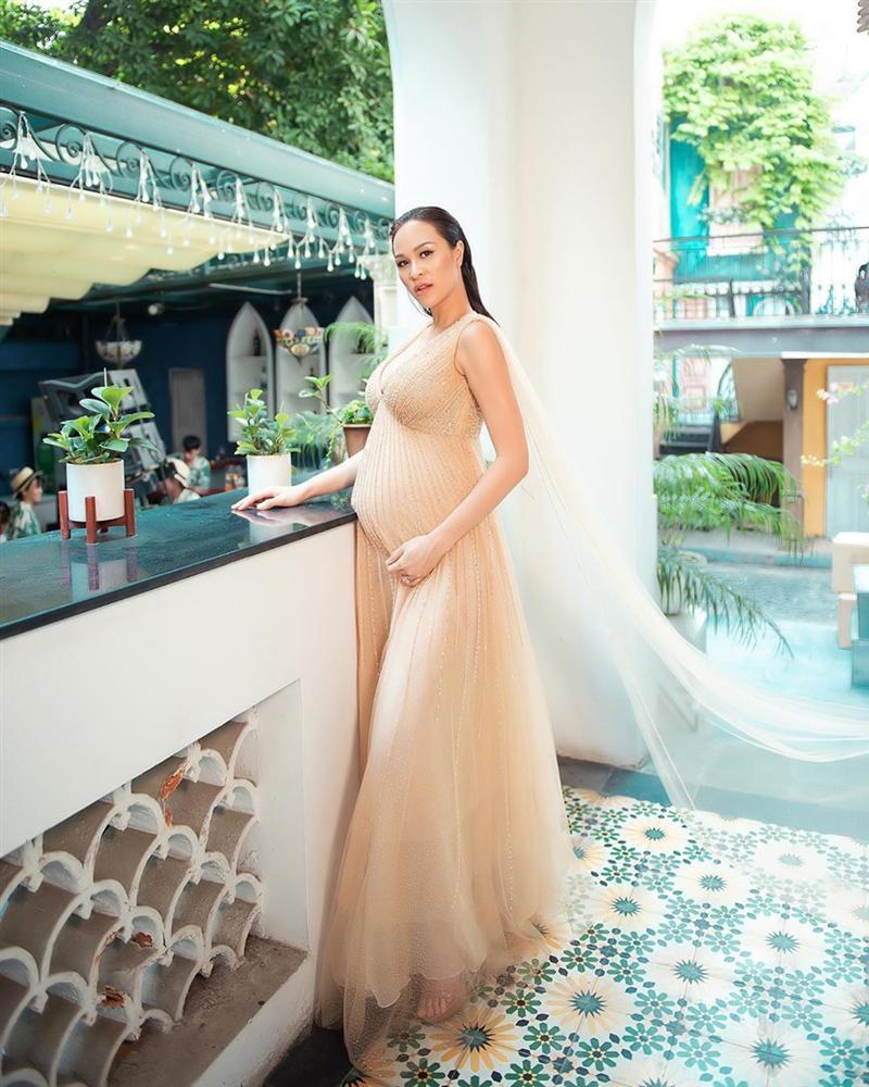 Bên cạnh nhiều tin hỷ, showbiz Việt cuối năm còn nhộn nhịp với sự ra đời của các thiên thần-5