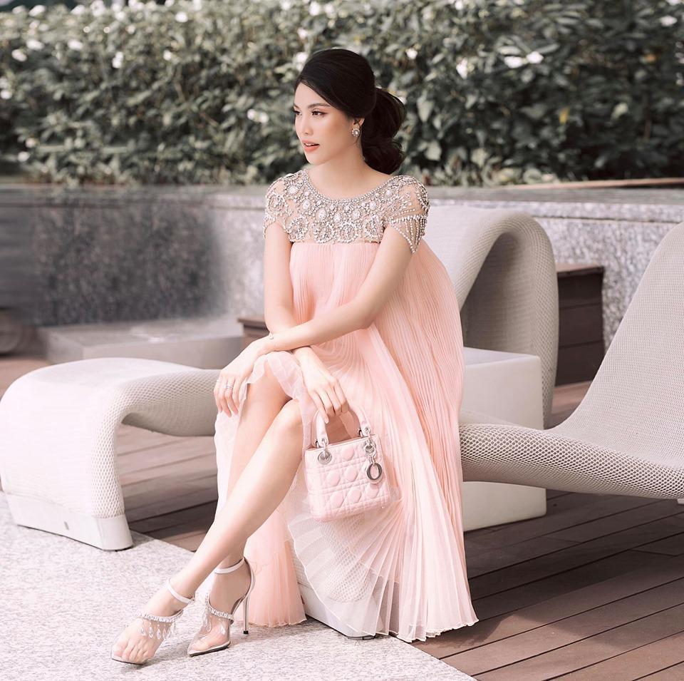 Là mẹ bầu sành điệu nhất nhì Vbiz nhưng Lan Khuê vẫn liên tục than thở chuyện ăn mặc khi mang thai-5