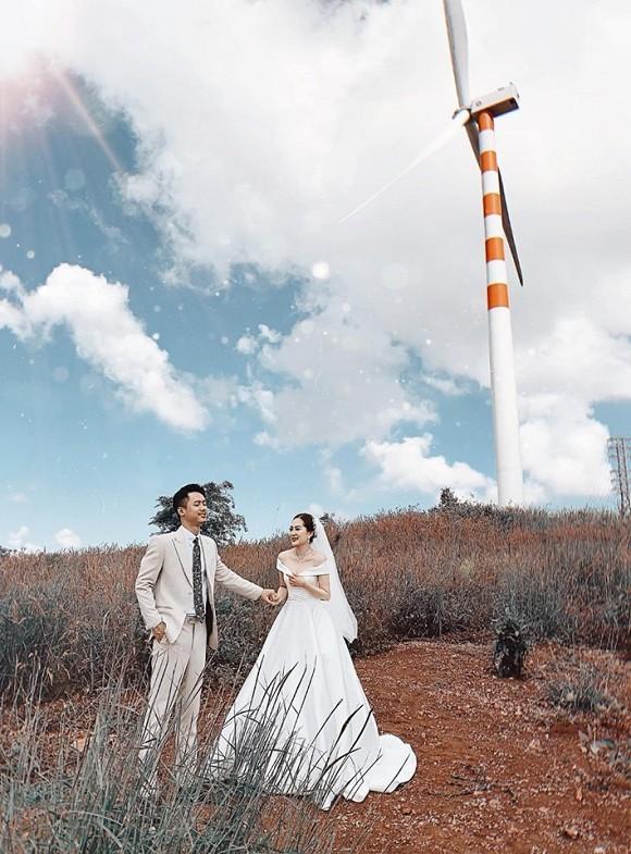 Sau cầu hôn, em họ Hương Tràm đi chụp ảnh cưới đẹp không thua sao Việt-2