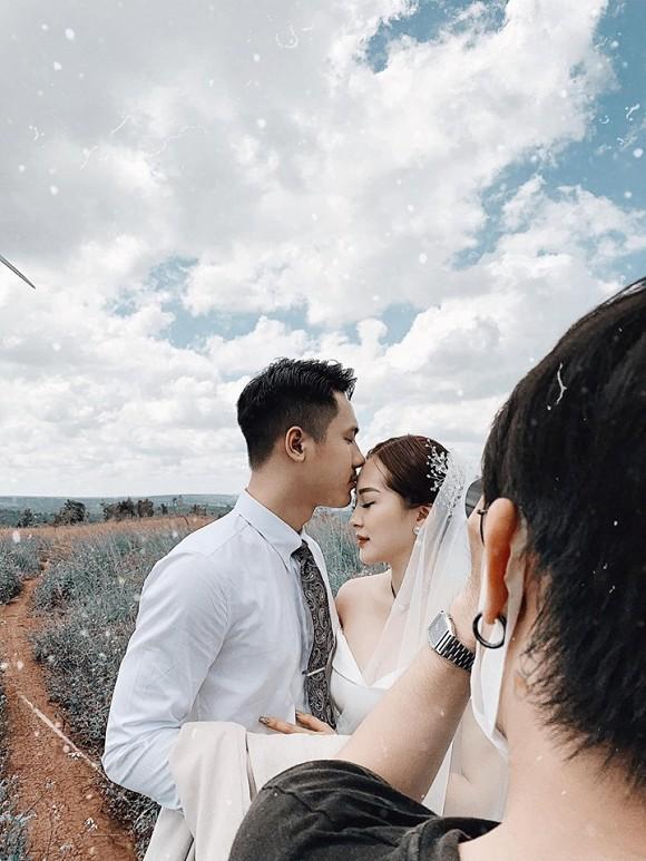 Sau cầu hôn, em họ Hương Tràm đi chụp ảnh cưới đẹp không thua sao Việt-3
