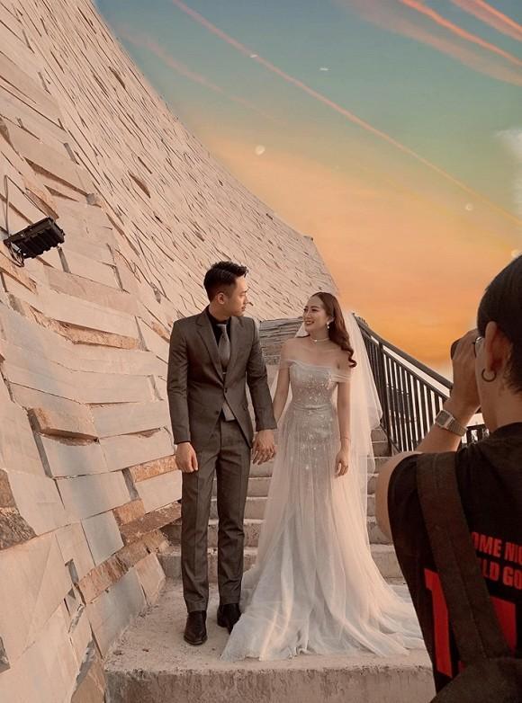 Sau cầu hôn, em họ Hương Tràm đi chụp ảnh cưới đẹp không thua sao Việt-5