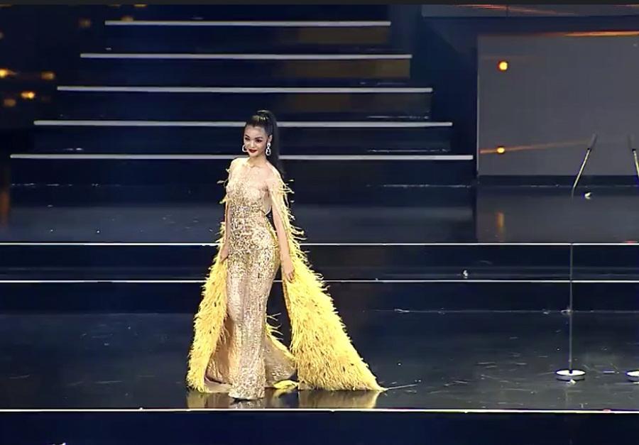 Kiều Loan mặc jumpsuit trình diễn dạ hội, khán giả xem Miss Grand 2019 há hốc với hình ảnh lạ kỳ-5