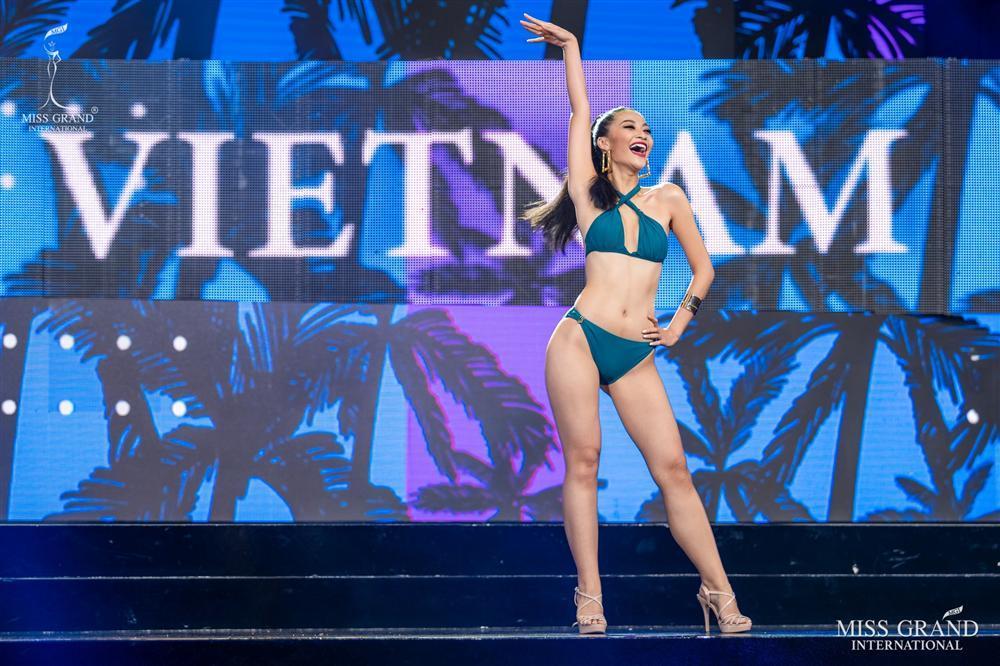 Kiều Loan mặc jumpsuit trình diễn dạ hội, khán giả xem Miss Grand 2019 há hốc với hình ảnh lạ kỳ-8