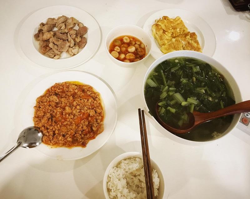 Khéo tay hết phần thiên hạ, vợ Huy Cung khoe thực đơn cả tuần không trùng bữa nào-11