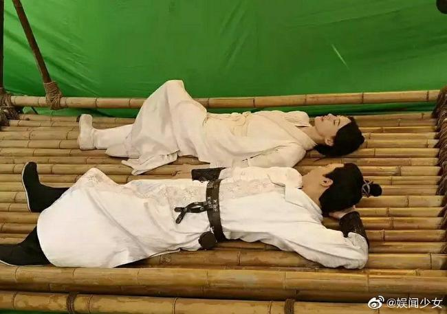 Trịnh Sảng bị phát hiện diện lại đồ cũ của Dương Mịch trong phim Tân Thiện nữ u hồn-1