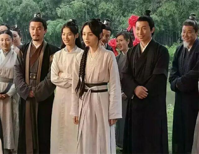 Trịnh Sảng bị phát hiện diện lại đồ cũ của Dương Mịch trong phim Tân Thiện nữ u hồn-2
