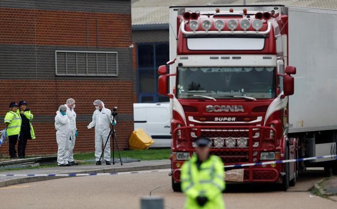 Xót xa đoạn tin nhắn của cô gái Hà Tĩnh gửi cho mẹ nghi bị chết vì không thở được trong quan tài thép chứa 39 thi thể ở Anh-1