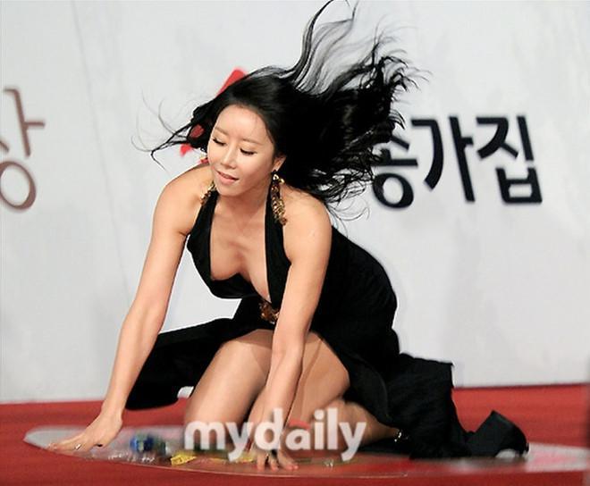 Sao nữ phim 18+ Hàn Quốc bị kết án vì bóp cổ, đâm xe đe dọa bạn trai-2