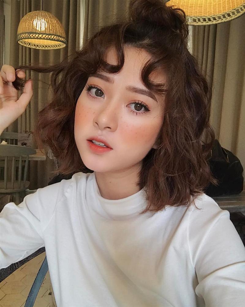 Phải chăng đây là kiểu tóc trẻ hóa dung nhan, khiến Đặng Thu Thảo và Hà Tăng đều ưa chuộng?-11