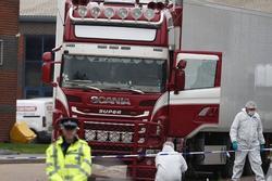 Video: Cách xác minh danh tính 39 thi thể trong container ở Anh